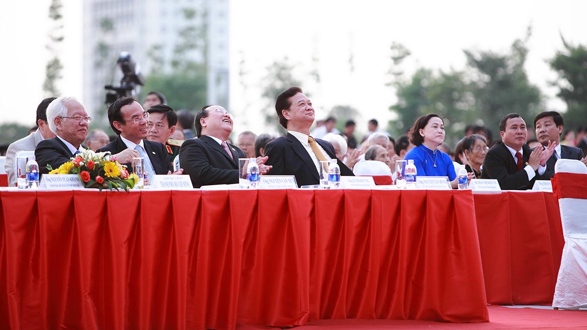 thu tuong Nguyen Tan Dung tham gia khanh thanh trung tam hanh chinh tap trung Binh Duong - eBrand
